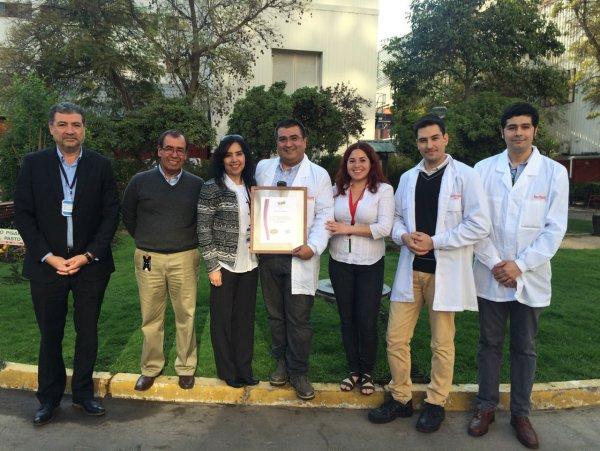 Entrega de distinción por proyecto PASSO a empresa Lucchetti