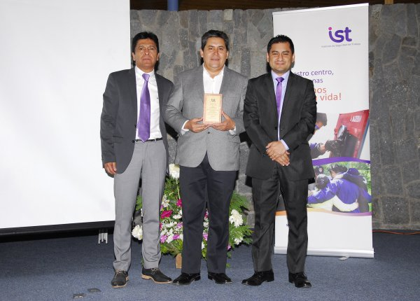 IST entrega distinciones a empresas de Aconcagua