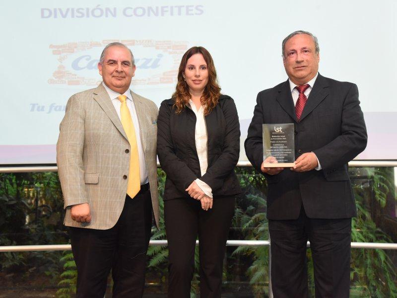 Empresas adherentes son distinguidas en premiación de Zonal Metropolitana