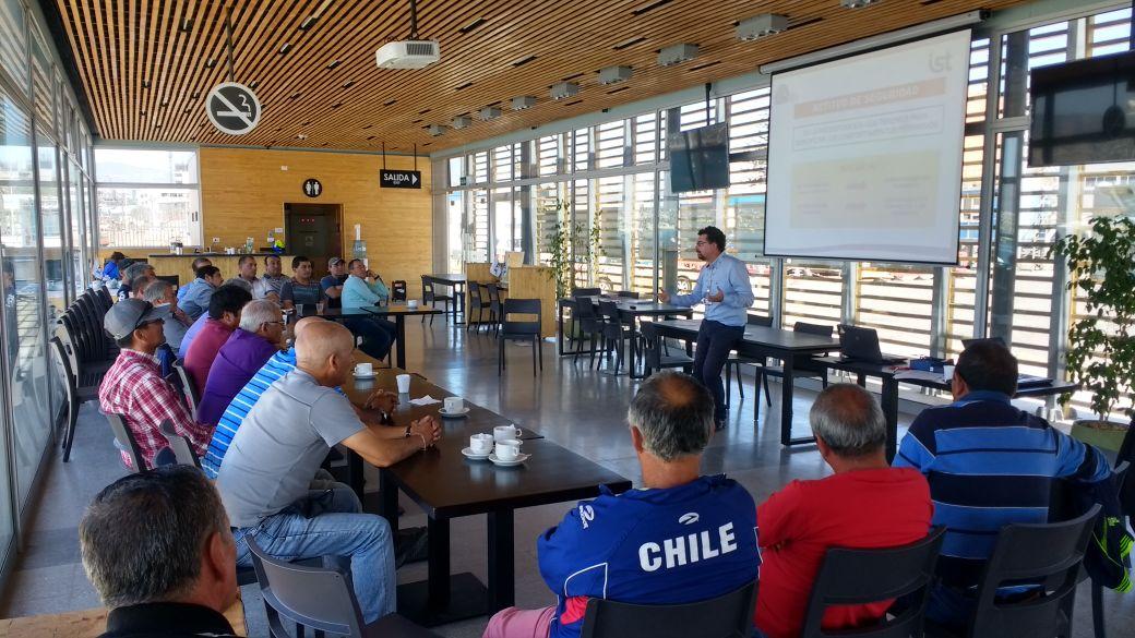IST dicta taller dirigido a supervisores y capataces de Ultraport Coquimbo