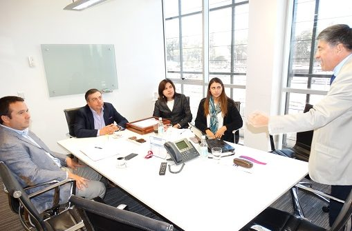 Synthon Chile firma protocolo de colaboración con IST para la implementación del Programa de Fortalecimiento de las Conductas para el Cuidado de las Personas y el Medio Ambiente
