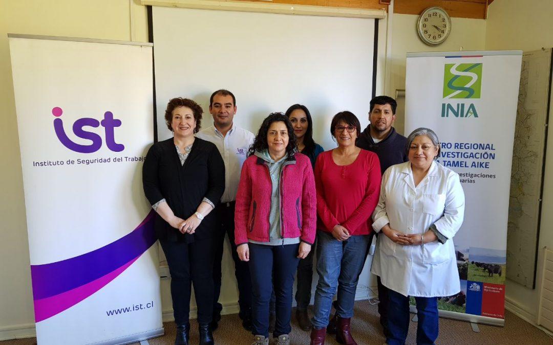 IST capacita a Comité Paritario de INIA Coyhaique