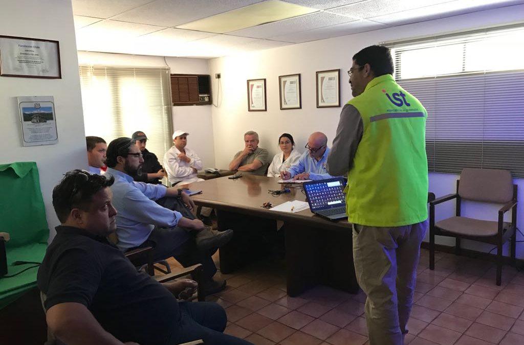 IST capacita a trabajadores de Cecinas Omeñaca en preparaciónante emergencias