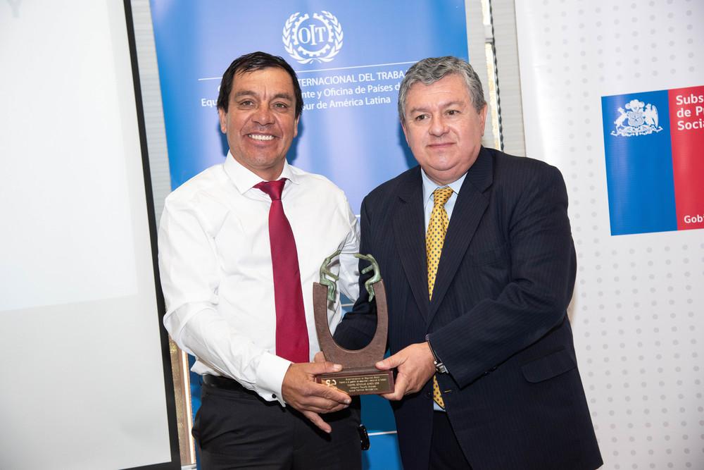 Iquique Services y Superintendente SS Claudio Reyes