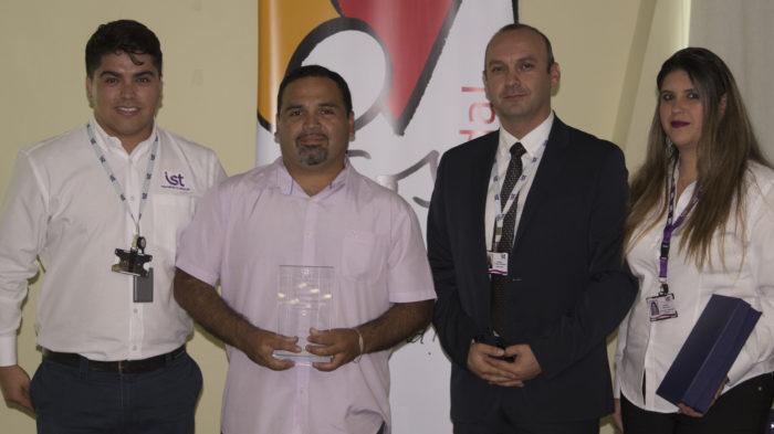 Distinción Excelencia (1 a 25 trabajadores) - Servicios Marítimos Iván Araya Jeffres