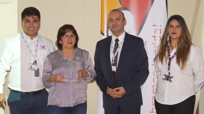 Distinción al Mérito (más de 100 trabajadores) - Jenny Pinilla Limpieza Industrial