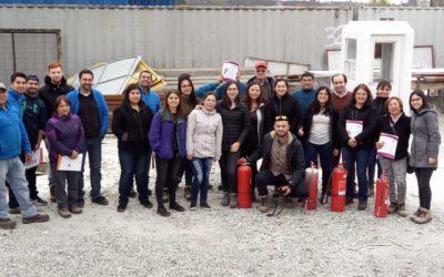 IST capacitó en el uso de extintores a funcionarios de la Municipalidad de Puerto Montt