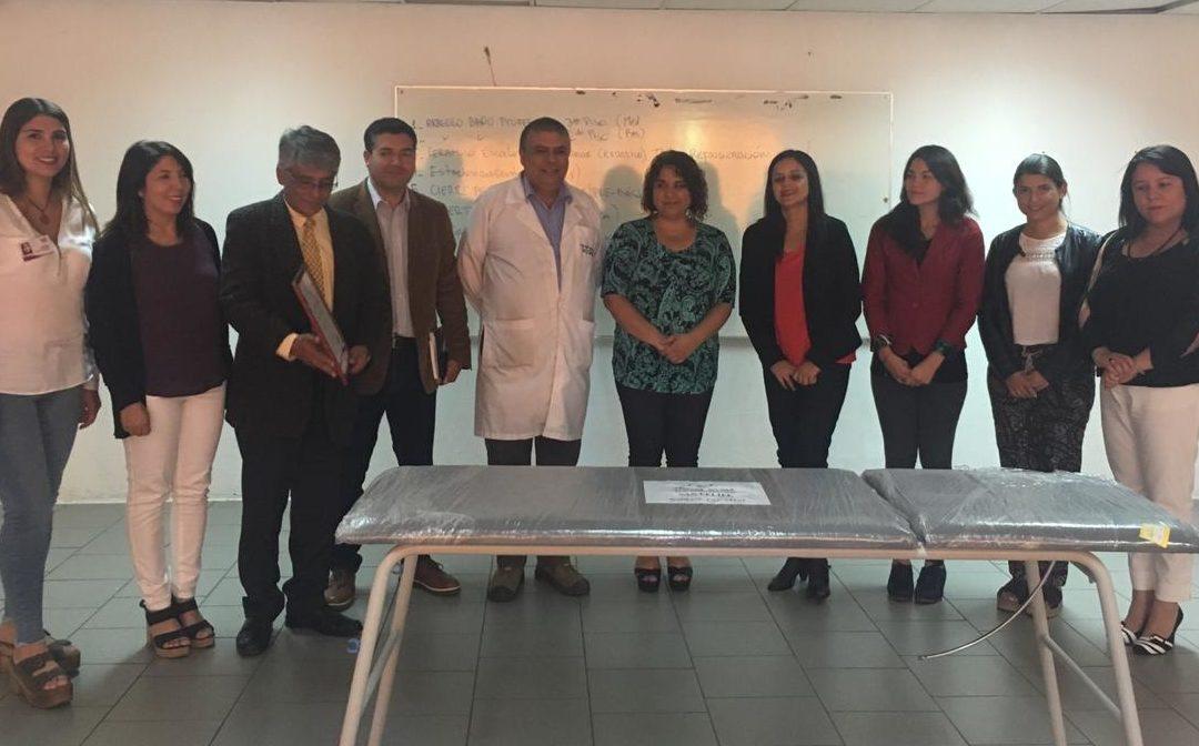 IST donó camilla al Liceo Mixto de San Felipe para sala de primeros auxilios