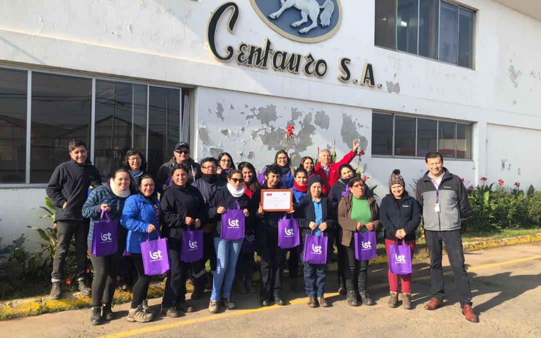 IST entrega reconocimiento a trabajadores de Conservas Centauro de Quillota